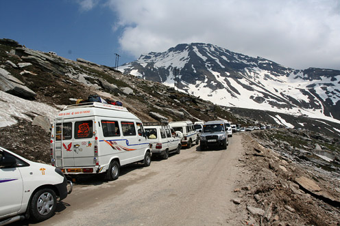 The Road to Rohtang Pass