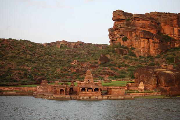 Bhoothanatha Temple, Badami