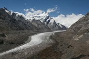 darung drung glacier in Zanskar