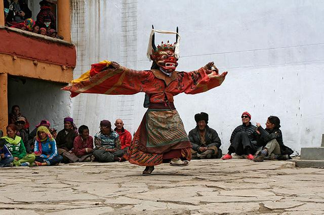 cham dance, ladakh