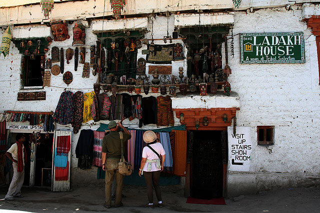 tourists in Leh town