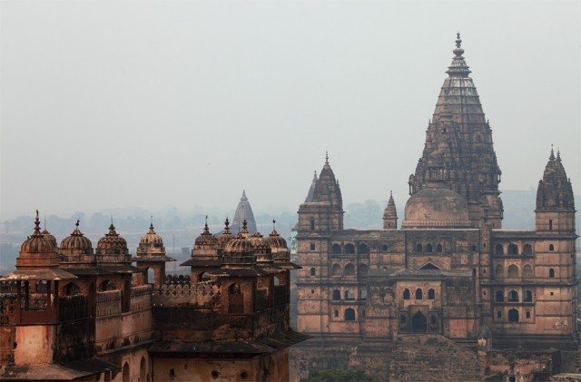 chaturbhuj temple and Raj Mahal, orchha