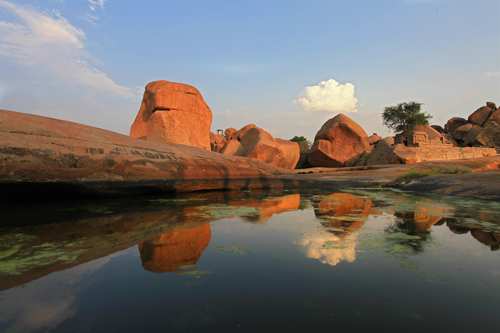 Boulders at Hemakuta Hill, Hampi