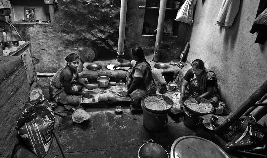 badami-jowar-rotti-making