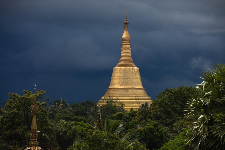 Shwemadaw Pagoda, Bago, Myanmar