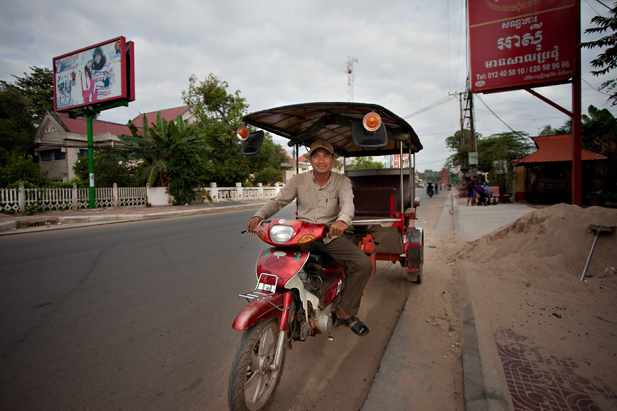 Tuk Tuk Driver at Kampong Chhnang, Cambodia